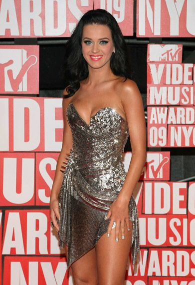 Katy Perry on the red carpet at the 2009 MTV Video Music Awards in New York City.