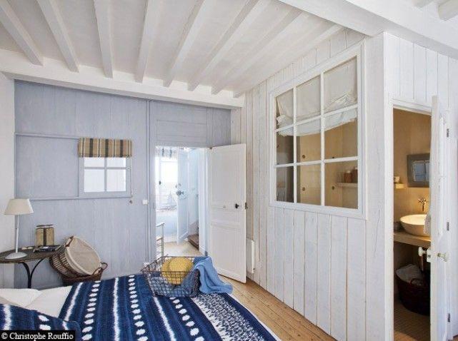 chambre bleue et blanc