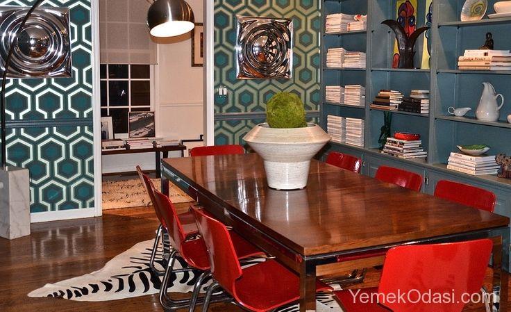 Retro Yemek Odaları Bugün geçmişin modasını günümüze yansıtan retro yemek odaları için seçtiğim modelleri sunacağım sizlere. Retro yemek odası modellerinde 50' ler, 60' lar ve 70' lerin izlerini taşıyan mobilya ve aksesuarları, yeşil, mor, mavi ve kırmzı retro renklerden oluşan kombinasyonları göreceksiniz.     ... http://www.yemekodasi.com/retro-yemek-odalari/