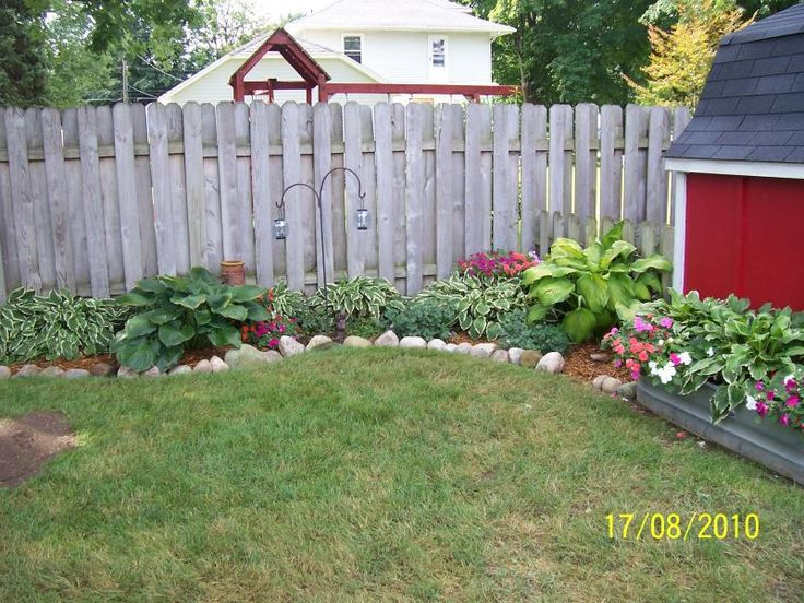 Inexpensive backyard ideas cheap backyard landscaping for Easy garden patio ideas