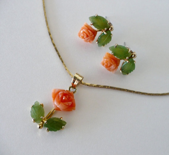 Vintage Carved Coral and Emerald Earrings and Necklace Set - Roses Floral Motif - Natural Coral and Emerald Gold Jewelry Set: Emerald Earrings, Jewelry Necklaces, Floral Motif, Roses Floral, Gold Jewelry, Kilborn Charming