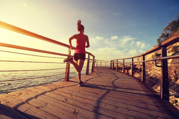 Treino HIIT para emagrecer: benefícios e como fazer em casa   Easy workouts, Running, How to run faster