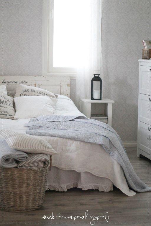 Vintage rose tapetti, tapettitaivas, maalaisromanttinen, makuuhuone, sisustus, vaalea koti, decoration, romantic home