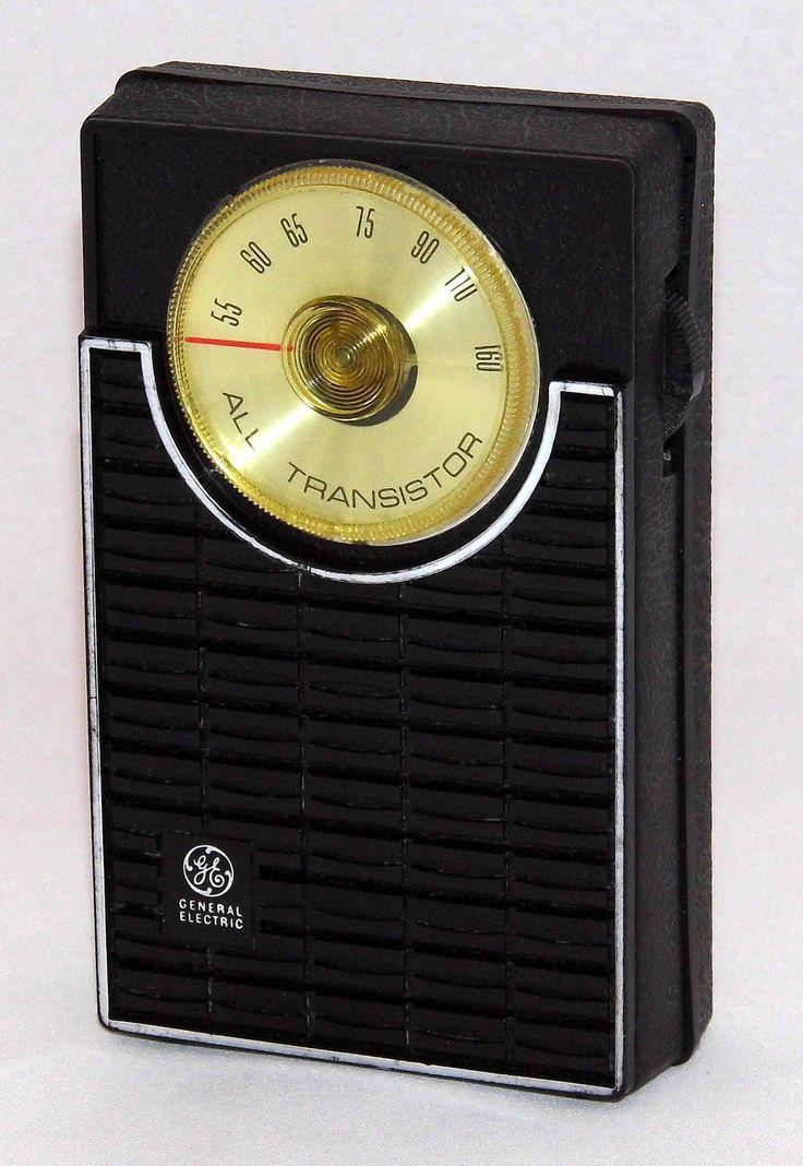https://flic.kr/p/DA5iMU | Vintage General Electric Transistor Radio, Model P1710C, AM Band, 6 Transistors, Circa 1967