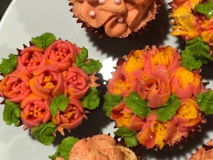 Cupcakes decoraci n flores recetas para cocinar - Flores para cocinar ...