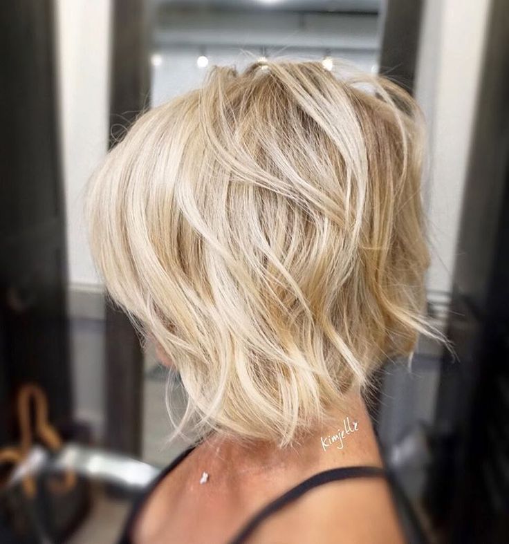 Textured Bob ✂️✂️✂️ #hairbykimjette #haircut #texturebob (at Stella Luca Salons - Winter Park's Balayage & Hair Extensions Salon)