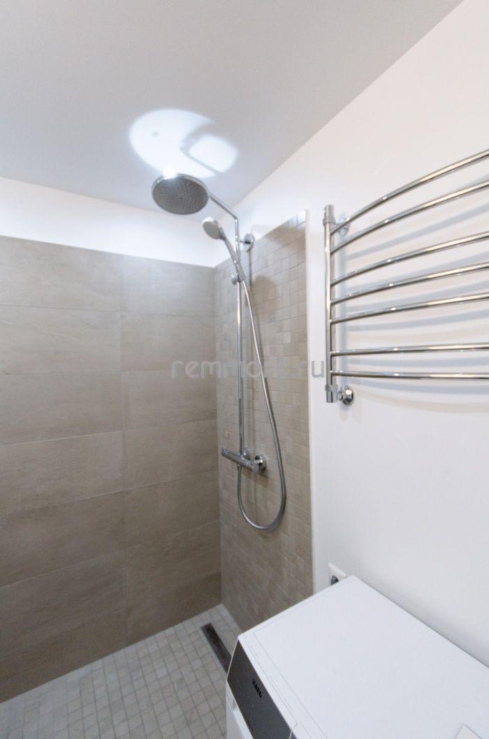 Облицовка стен керамогранитом, окраска стен в ванной комнате