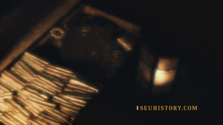 Um dos enigmas sobre os Cavaleiros Templários é em torno da história de uma fuga espetacular em que mais de uma dezena de embarcações foram utilizadas para escapar de uma perseguição do rei francês Filipe IV, em 1307. Os navios sumiram sem deixar rastros.A grande pergunta que paira no ar até hoje é: qual foi o destino das embarcações? Teriam os templários alcançado a América muito antes de Cristóvão Colombo?