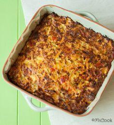 Frittata met courgette & bacon. Heerlijke frittata uit de oven met courgette, paprika, wortel, bacon & kaas.