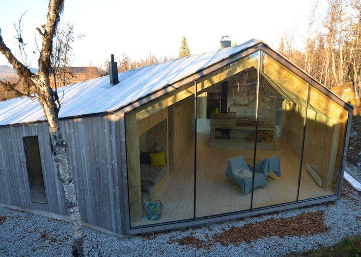 Norwegian lodge's V-shaped plan follows mountainous terrain