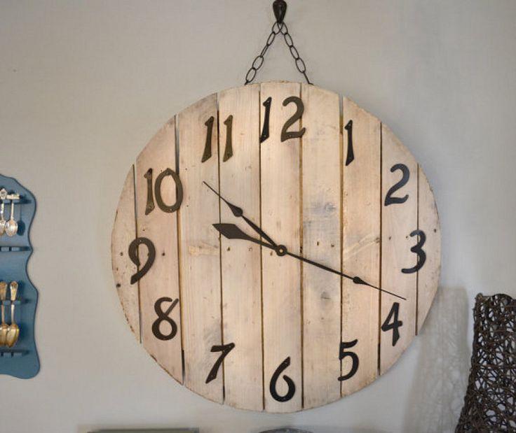 Cómo hacer un reloj con palets, paso a paso | Hacer bricolaje es facilisimo.com