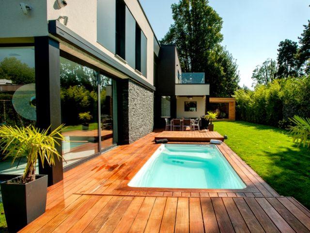 143 best piscine images on pinterest architects cabin for Mini piscine jardin de ville