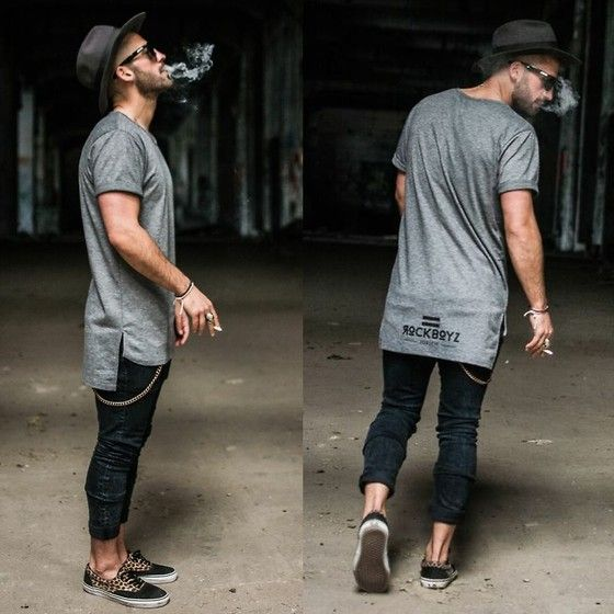 Kosta Williams - Rockboyzurich Oval Grey Tee, H&M Super Slim Skinny Jeans, Vans Slipper - Cool Kid