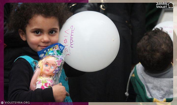 جمعة مباركة تبقى الابتسامة أكثر الهدايا جمالا و لن تنسى أبدا طفلة من أهلنا الوافدين من الغوطة الشرقية Food Breakfast Eggs