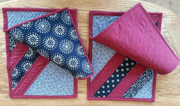 Mix and match fabrics and backing on place mats.   2015 Leah Passler.