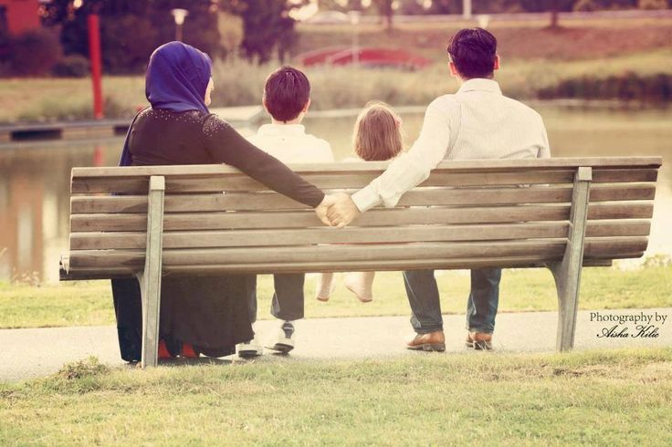 ::::ﷺ♔❥♡ ♤ ♤ ✿⊱╮☼ ☾ PINTEREST.COM christiancross ☀❤ قطـﮧ ⁂ ⦿ ⥾ ⦿ ⁂  ❤U◐ •♥•*⦿[†] ::::  Cute Muslim Family