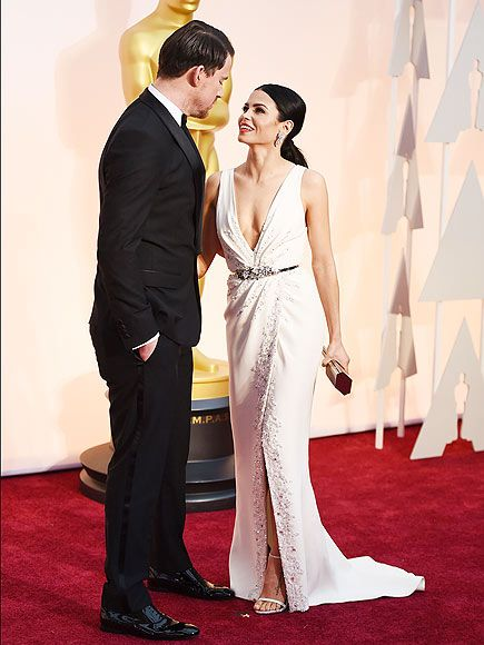 The Awards for Cutest Couples Go To ... | CHANNING TATUM & JENNA DEWAN-TATUM | Magic Mike casts a spell over his wife on the red carpet. We're right there with you, Jenna.