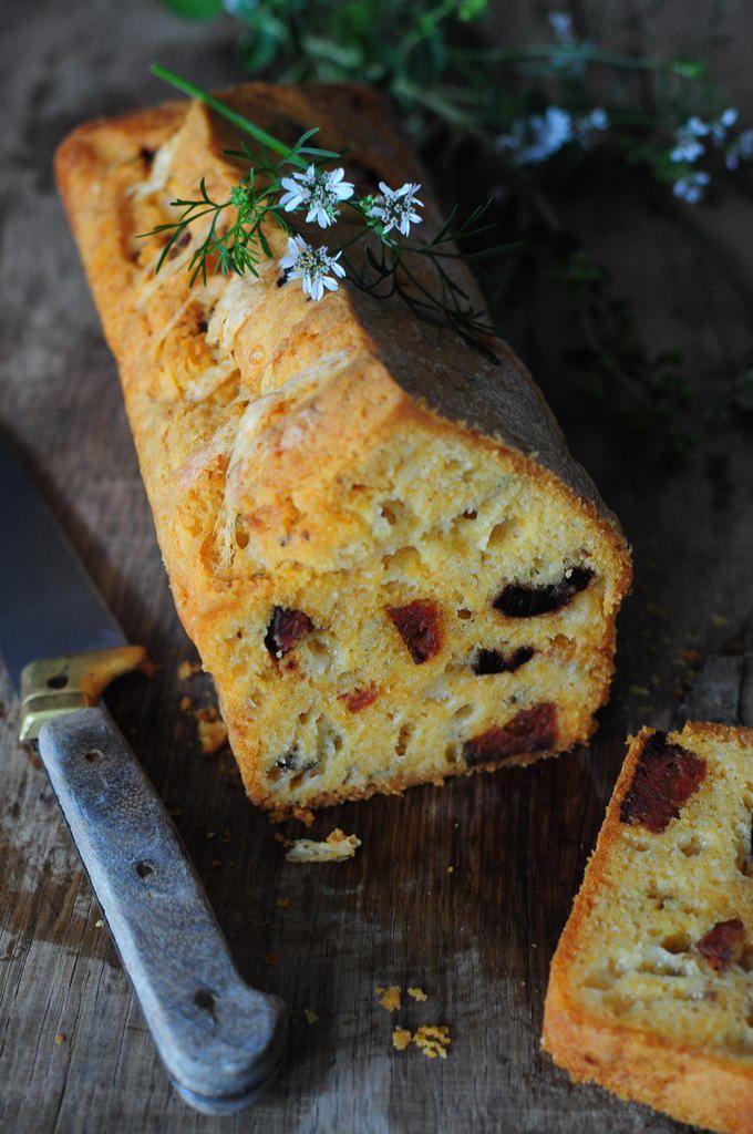 Cake au chorizo et olives noires