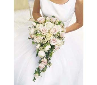 modern wedding bouquet 25 beste idee 235 n waterval boeket op 5973