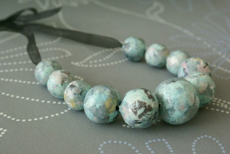 This paper bead necklace is super easy and fun to make. Here is what you need: Decopatch paper, Decopatch glue (or other varnish glue like ...