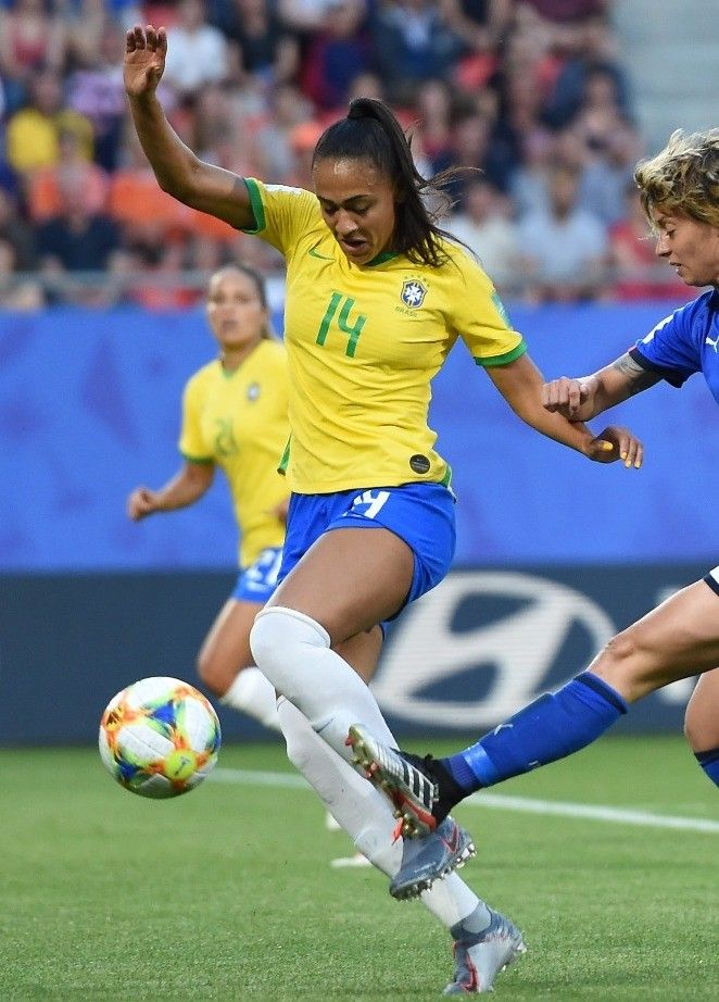 As Referências De Beleza Da Seleção Brasileira De Futebol Feminino No Jogo Contra A Itália Seleção Brasileira De Futebol Feminino Futebol Feminino Seleção Brasileira De Futebol