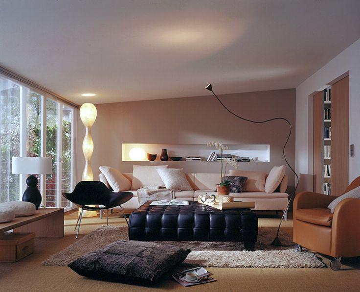 Wohnzimmer Regal mit indirekter Beleuchtung