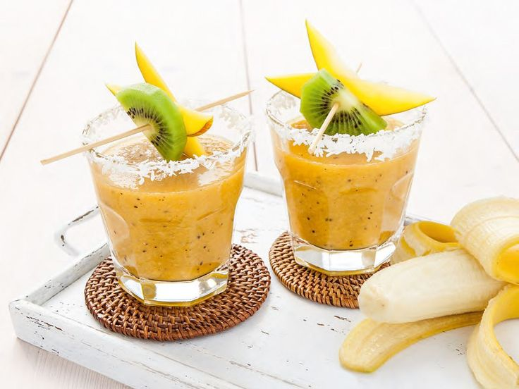 Exotic Aloe Cooler with pineapple, mango chunks, green apple, coconut milk and aloe vera juice. Juicing has never tasted so good!
