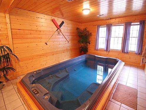 A poolin around cabin 1 bedroom 1 bathroom cabin rental for Poolin around cabin gatlinburg tn