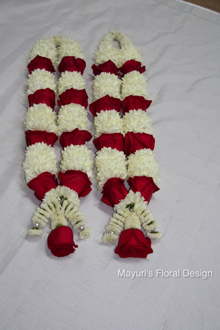Garland or Jay Mala for Indian/ Hindu wedding. Red roses and White pomps