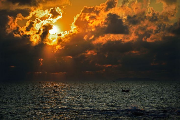 sunset, sea, water, beauty in nature, nature, scenics, tranquility, sky, tranquil scene, outdoors, no people, silhouette, waterfront, rippled, cloud - sky, horizon over water, day