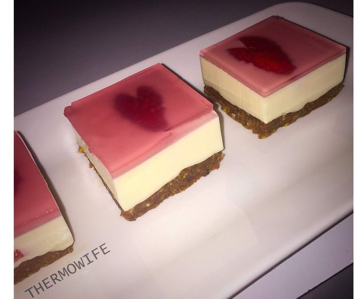 Recipe STRAWBERRY JELLY CHEESECAKE by Thermowife - Recipe of category Desserts & sweets