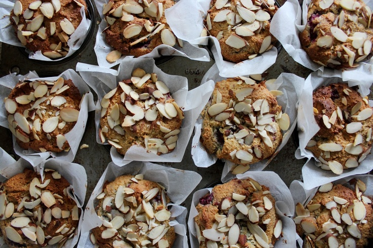 petite kitchen: 'white chocolate' and raspberry almond muffins