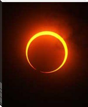 Με τα φθαρτά, σάρκινα μάτια μας, δεν μπορούμε να τα δούμε όλα… Με τα μάτια της ύπαρξης μπορούμε να δούμε τα πάντα. Μονάχα που θα πρέπει να τα φωτίζει ένας άλλος ήλιος, όχι ο γνωστός μας κόκκινος –ή λευκός κατά την μυητική έννοια- αλλά ο μαύρος ήλιος της ύπαρξης. Δεν τον ξέρουμε, είναι αθέατος σε μας όπως είναι για τα τυφλά κουτάβια όλα γύρω τους. Κάποιοι όμως, οι όλβιοι ανάμεσά μας, γνωρίζουν καλά το φως του μαύρου ήλιου. Και γι'αυτούς είναι αφόρητο να ζουν στη δική μας 'βιόσφαιρα'.