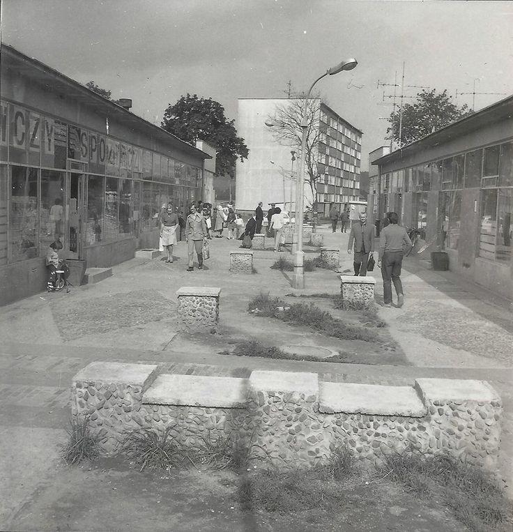 Jelenia Góra - Pawilony handlowo-usługowe na Zabobrzu (1977)