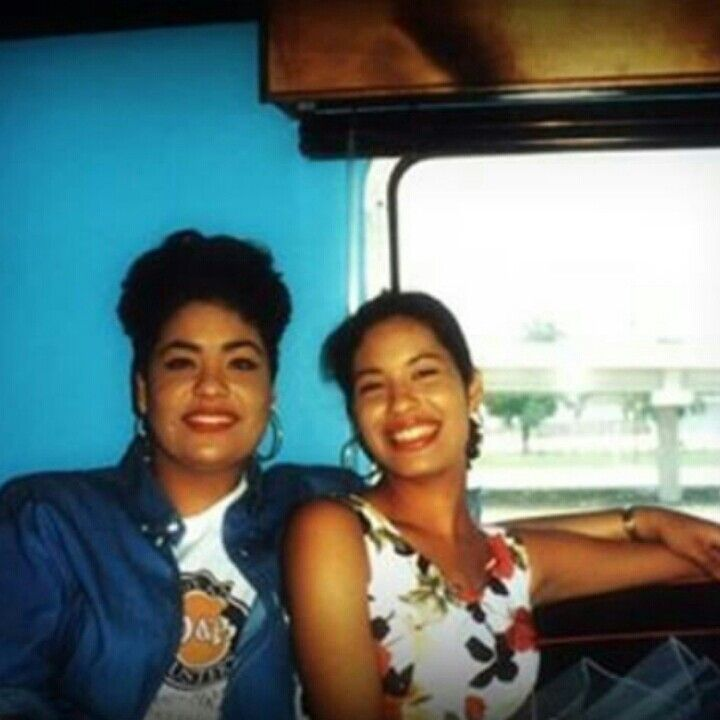 Suzette and Selena Quintanilla on the bus