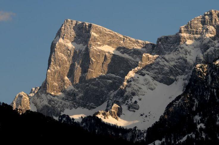 """Η κορυφή της """"Γκαμήλας"""", με υψόμετρο 2.497 μέτρα. (Κόνιτσα, Ήπειρος, Ελλάδα)."""