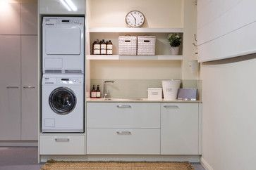 Burleigh Heads Laundry - traditional - laundry room - brisbane - Interiors By Darren James