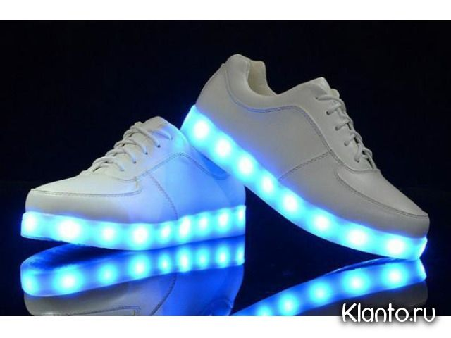 Светящиеся кроссовки с LED подсветкой