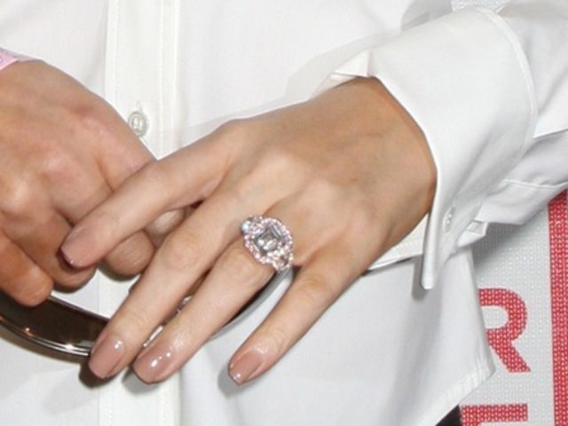 mariah carey 39 s engagement ring with pink diamonds celebrity bling pinterest d pink and. Black Bedroom Furniture Sets. Home Design Ideas