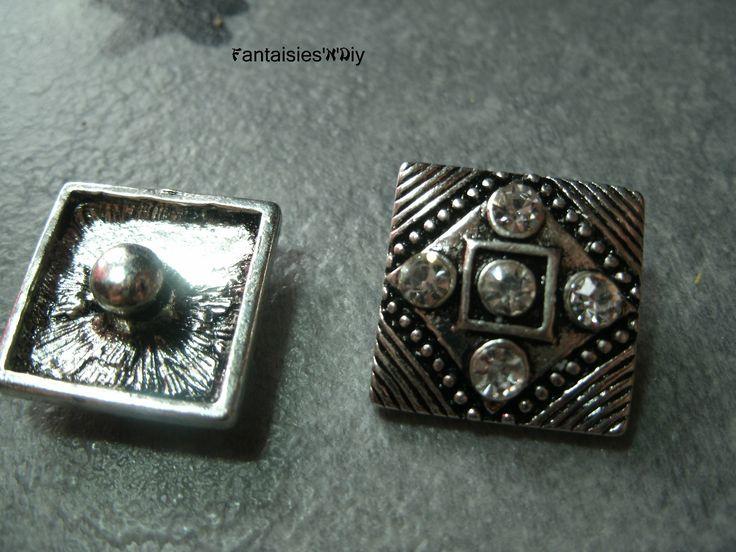 (BCK9) Un bouton pression carré Chunk ethnique argenté & blanc strass 18mm : Boutons par fantaisies-n-diy