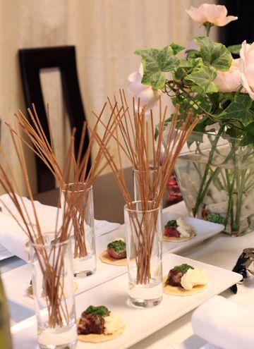 簡単!ピリ辛スティック&エスカルゴバターの牛肉カナッペ   前菜 フランス料理レシピ  フランス料理総合サイト【フェリスィム】〜フレンチでライフスタイルをもっと素敵に♪〜