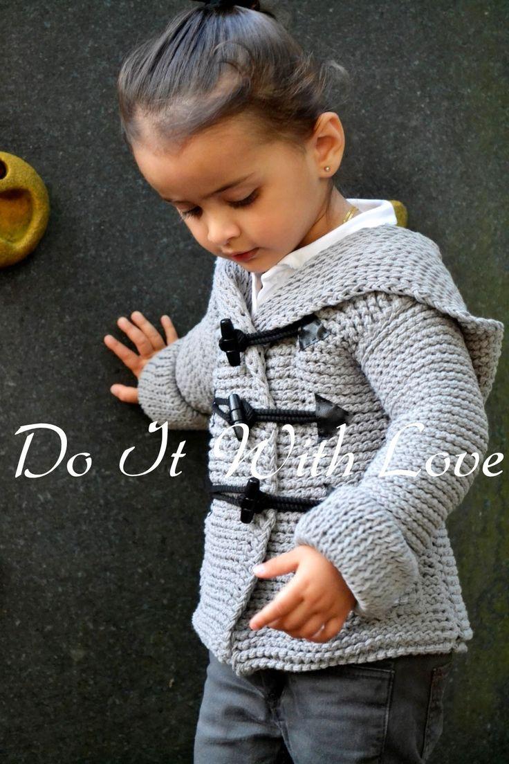 Häkelanleitung (nicht gratis)- Duffle Coat Mantel - in allen Größen von Baby bis Erwachsener - schön, warm, stylish und einzigartig. https://www.crazypatterns.net/de/items/2879/e-book-haekelanleitung-duffle-coat-mantel