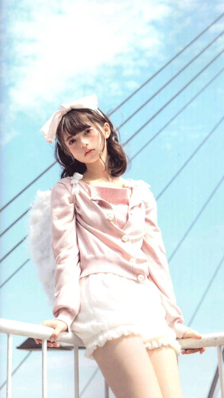 46pic: Asuka Saito - LARME