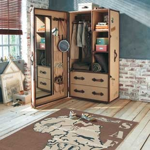 Love This Childu0027s Wardrobe Shaped Like A Travel Trunk!