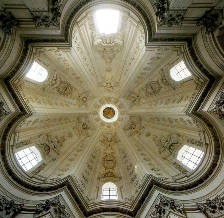 Borromini, Eglise Saint-Yves-de-la Sapience, chapelle du collège de l'université de la Sapienza, 1642-1660. Coupole.