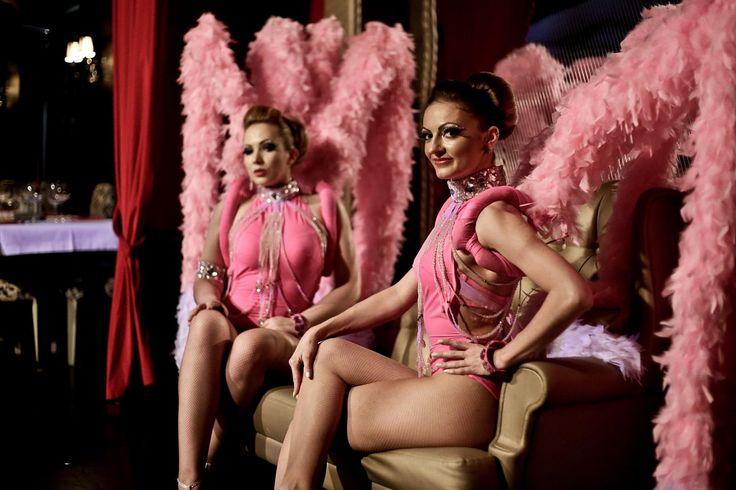 Under en svensexa på New Orleans är det 40 sköna dansare som ska göra er kväll mer attraktiv.http://neworleans.pl/en/?nkpage=2