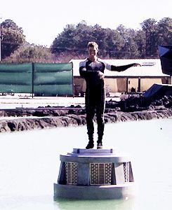 Sam Claflin hula dancing on the Catching Fire set. Best thing you'll see all day.