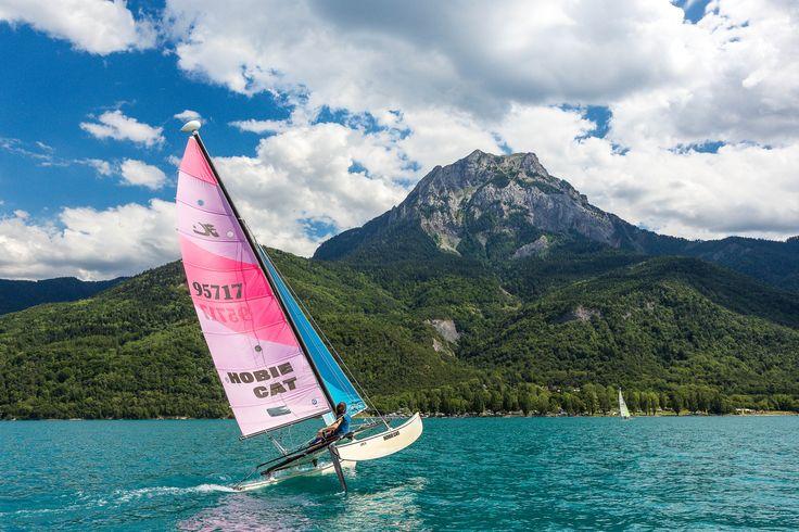 En été à Serre-Ponçon, Savines-le-lac est le terrain de jeux favori pour toutes les activités nautiques ! www.serreponcon-tourisme.com/activites-nautiques-lac-de-serre-poncon.html