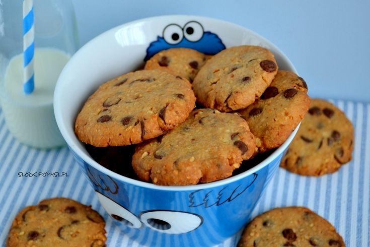 Ciasteczka z orzechami i czekoladą. Ciastka Ciasteczkowego Potwora… można by jeszcze sporo wymieniać. Nieważne jak się nazywają… ważne, że te pyszne ciasteczka potrafią przywołać błogi uśmiech na twarzy :)