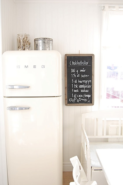 smeg.love the vintage look in this kitchen.